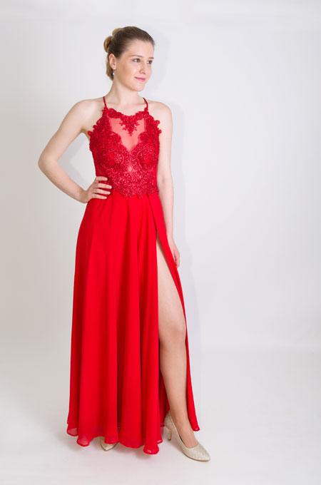 langes Kleid in rot mit Spitze und Schlitz - Neuböck Moden