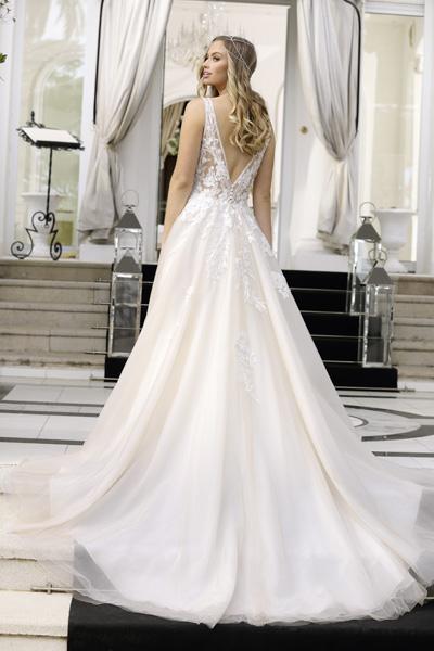 klassisches A-Linien-Kleid mit tiefem Ausschnitt